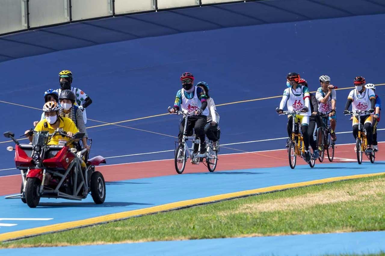 タンデム自転車NONちゃん倶楽部サイクルチャレンジ2020in競輪場コース上光景
